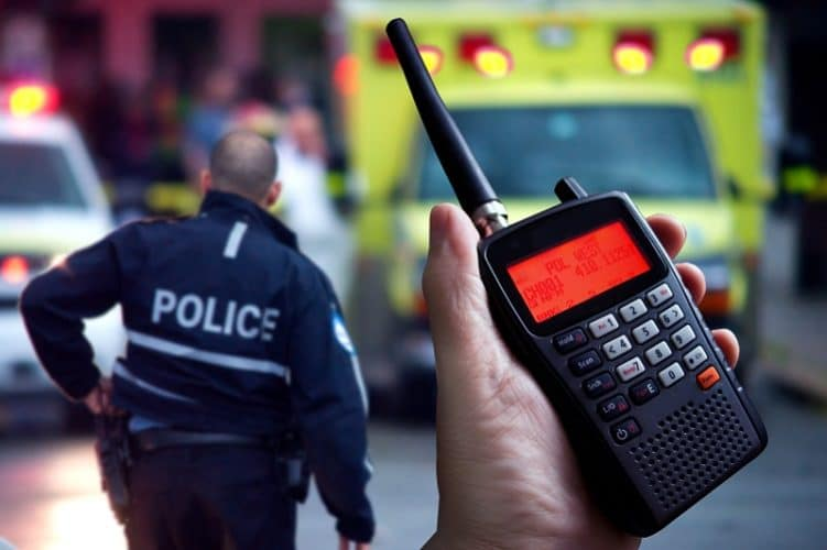 Buying a Police Radio Scanner for a Car? The 6 Must-Haves